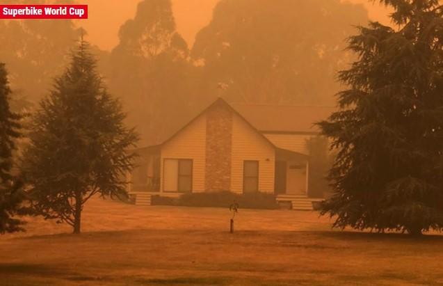 Rumah Rea Hampir Terbakar