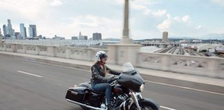 Harley-Davidson Touring dibekali Android