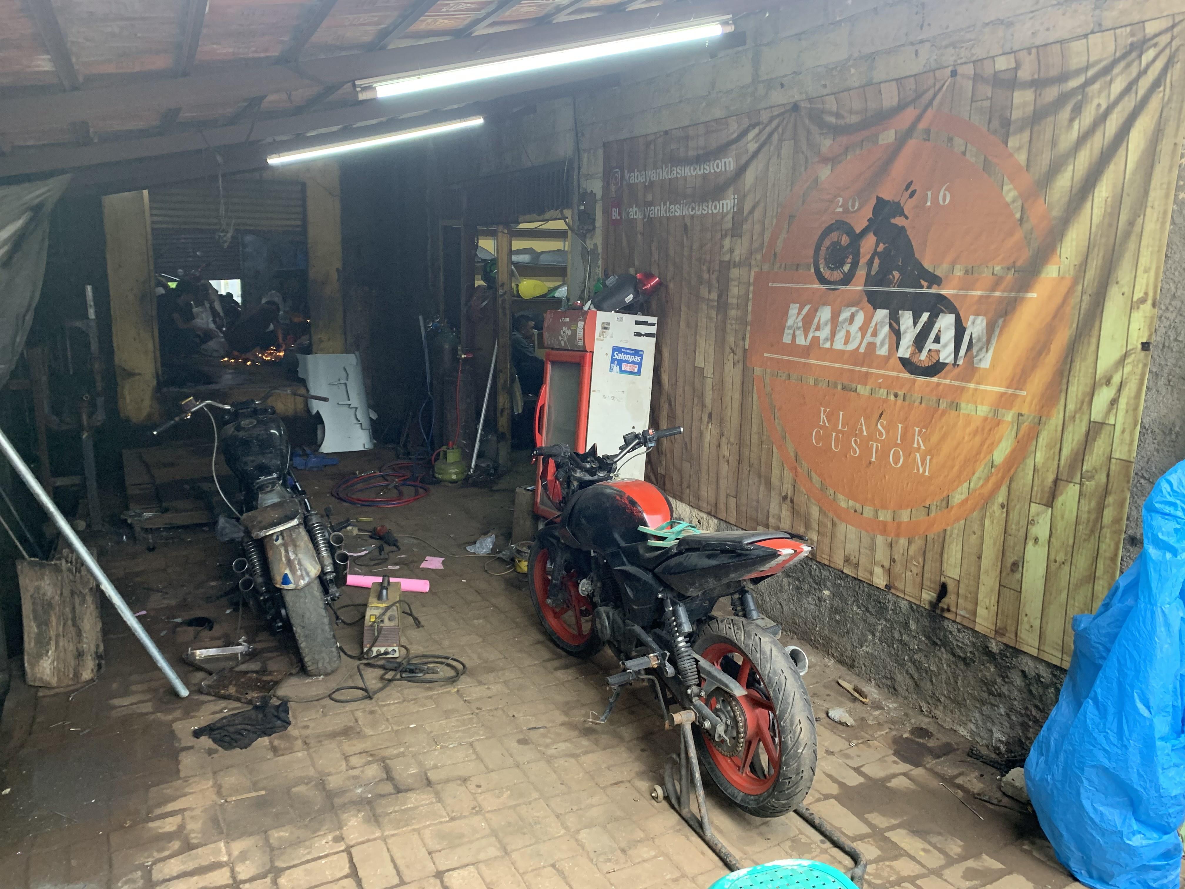 Kabayan Garage Bogor