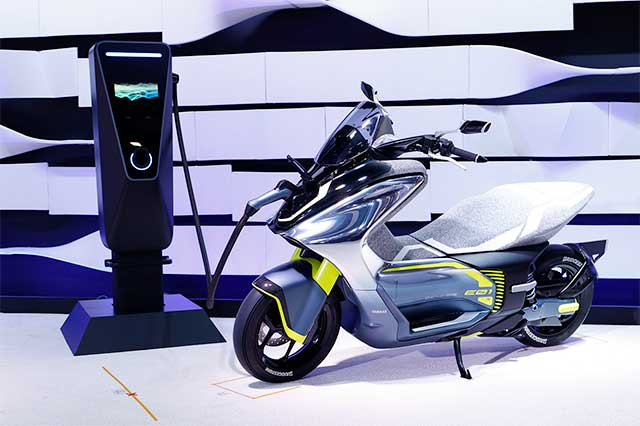 Produksi Yamaha E01