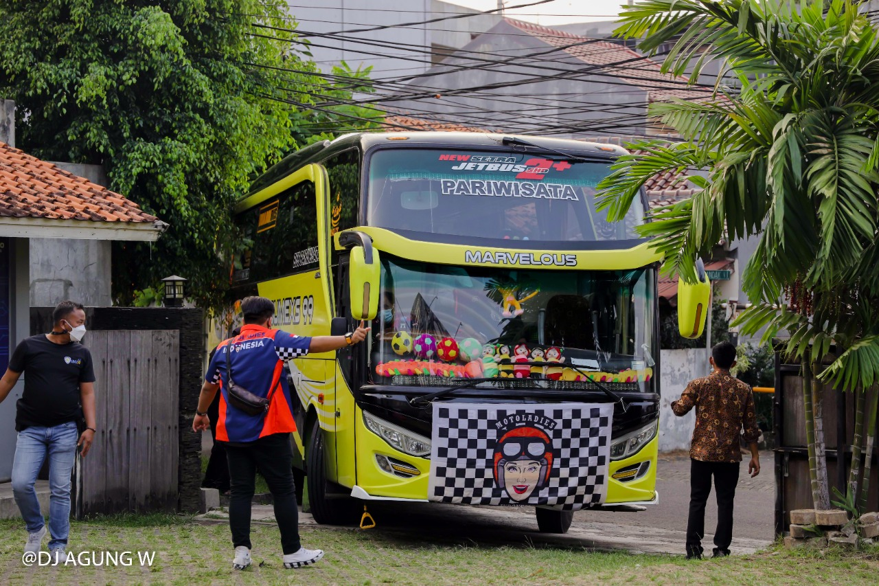 Hari Kartini MotoLadies