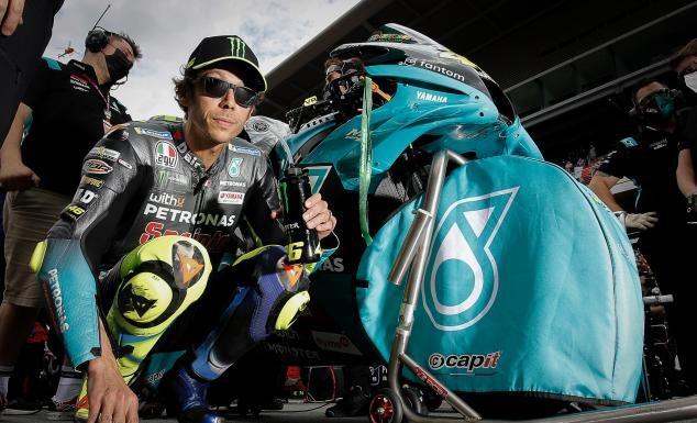 Rossi mengetes